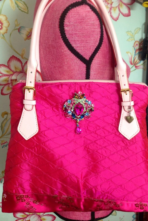 100%real Dupioni Silk Purse With leather handles in hot pink!