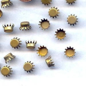 18 Vintage Brass Crown Prong 7mm Round Rhinestone Cup Settings 711a