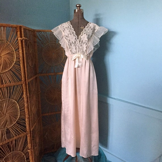 70s Frilly Nightgown by Lily of France / Vintage N