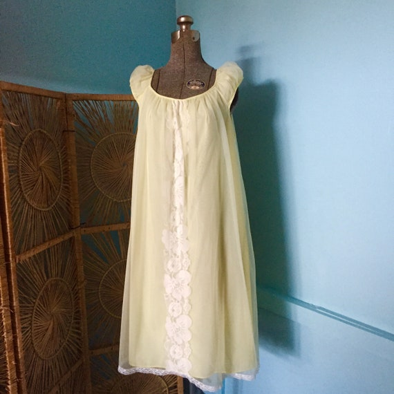 60s Vintage Yellow Nightgown by Miss Elaine / Shor