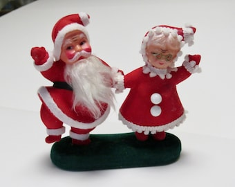 397db22e69737 Vintage Flocked Dancing Santa and Mrs. Claus 1950 s