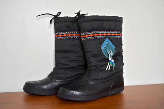 ed0696f512268d Vintage 80s Canadian SOREL Winter Snow Boots With Felt Liners.