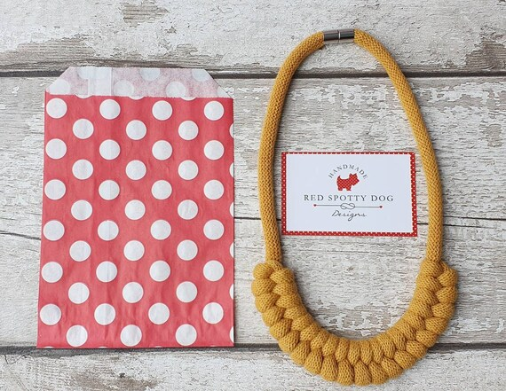 Mustard Jayne style knotted necklace