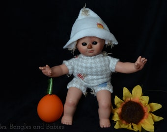 ooak reborn creepy cute scarecrow mini repainted art doll fake baby fall autumn prop decoration collectible for autumn and Halloween lovers