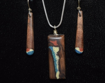 Black Walnut with Azurite, Howlite & 'Pipestone'