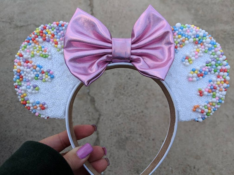 Minnie Mouse ice cream cupcake frosting ears image 0