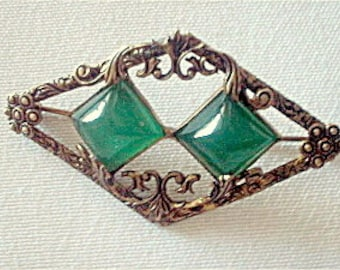 Art Nouveau Brooch Gilded Brass & Chrysoprase