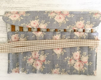 Crochet hook storage roll (blue Tilda floral fabric)