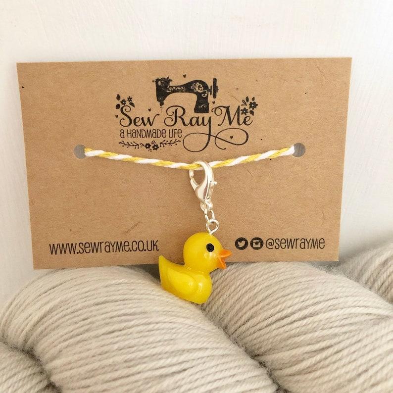 Rubber duck / crochet / knitting stitch marker /  progress image 0