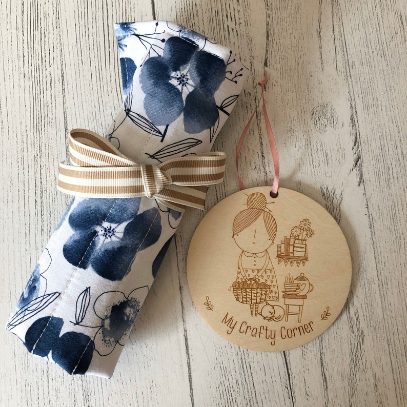 Crochet hook storage roll blue floral with mustard lining image 0