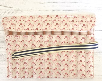 Crochet hook storage roll (pink Tilda floral fabric)