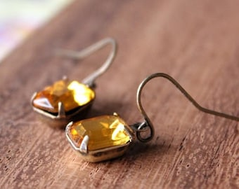 vintage glass earrings - mustard