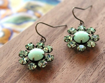 vintage glass earrings - bloom - mint green