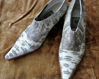 Vintage ladies  leather point tip boots/shoes -  Made in Buenos Aires, Argentina - size 7 to 8 - snake/crocodile/reptile leather