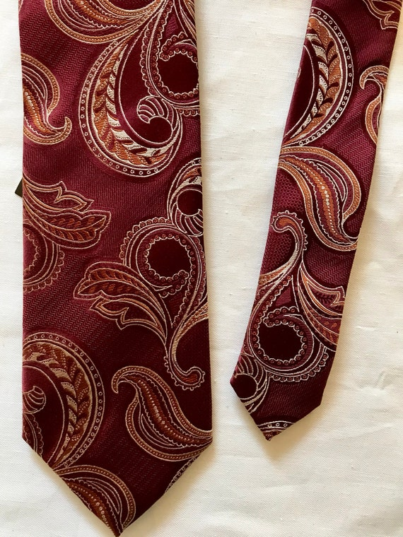 Mens vintage paisley neck tie -silk maroon deep re