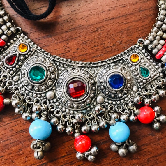 Colourful beaded necklace - silver tribal blue red