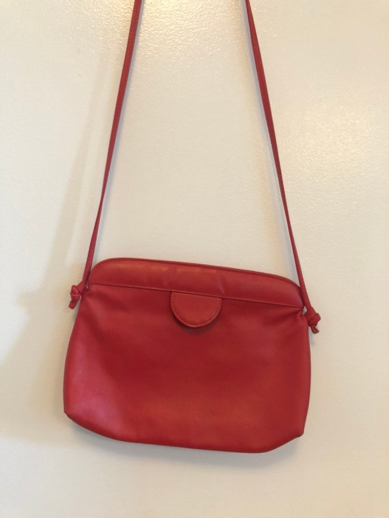 mod minimalist vintage - 80s red leather purse crossbody satchell red bag