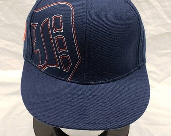 ed273ecb4c1 Vintage Detroit Tigers fitted hat. Size  7 1 2 fitted