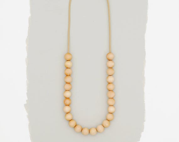 simple necklace // natural // medium