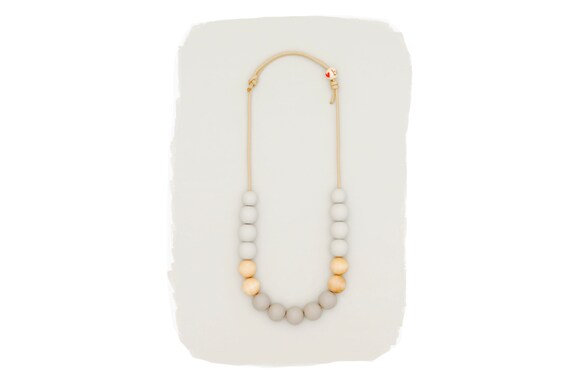 Gray Ombre Simple Necklace