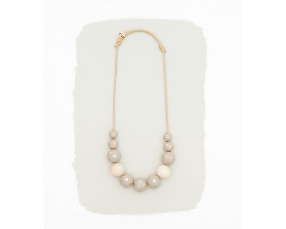simple necklace // gray with gold dots