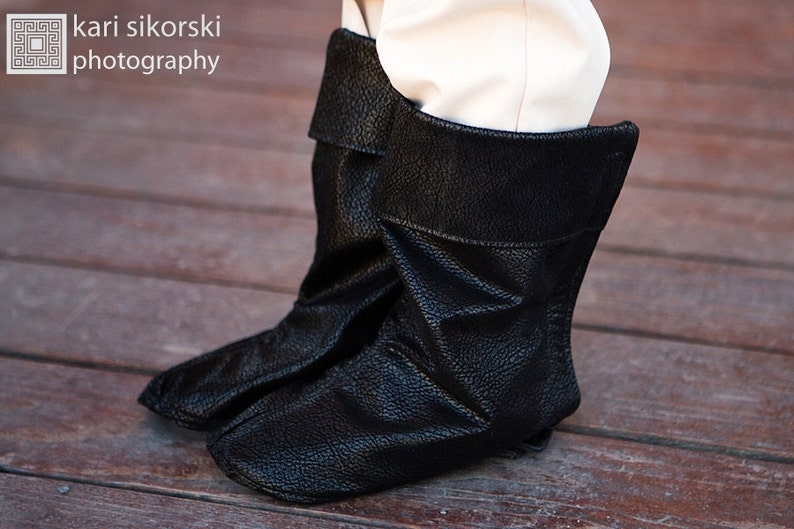 Youth Prince Boy RingMaster Custom Cosplay Boho PhotoProp Pirate Santa Leather Boot Covers Baby Suede Boots Circus Shoe Boot Wraps