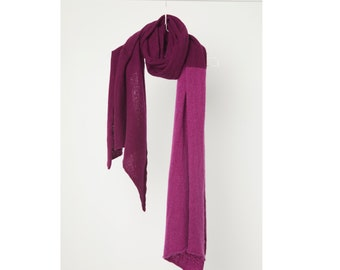 2tone scarf - 100% Cashmere - beetroot/cyclam, winter shawl, colourblock, shoulder wrap, luxurous, uplifting, cozy, semi felted, soft fabric