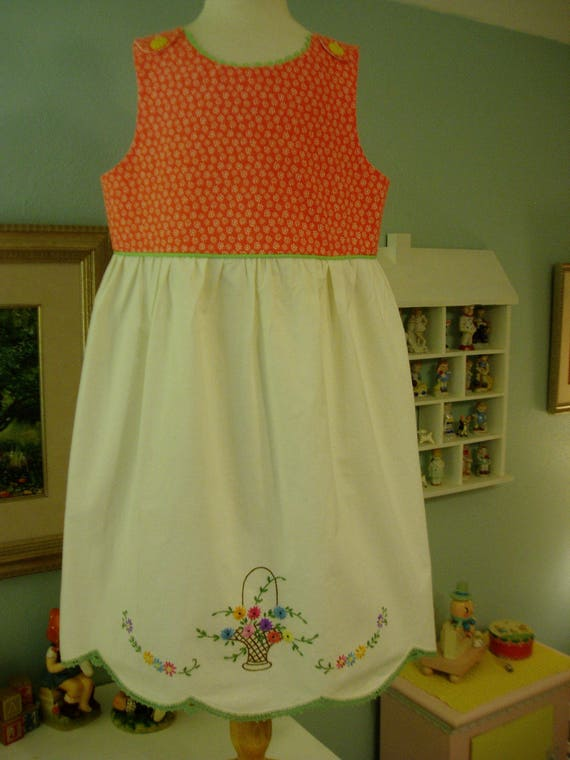 Girl/'s dress w Hand Embroidered Vintage Pillowcase Skirt Girl/'s size 5