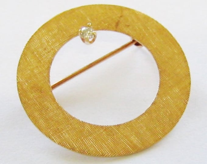 "14K Solid Yellow Gold, Textured Diamond ""Circle"" Bar Pin, Brooch Pin. SWEET ~"