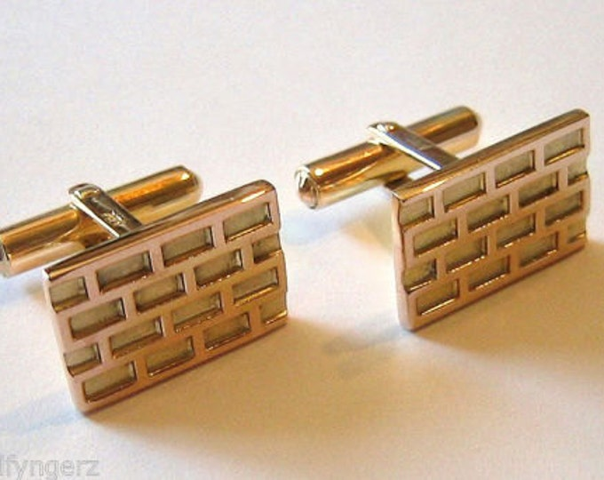 "Vintage....14K Yellow Gold "" BRICK WALL"" Cufflinks For Men."