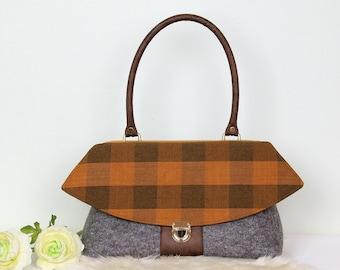 825762cc36 Brown checkered bag