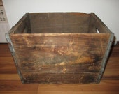Canada Dry Ginger Ale Antique Wood Crate - 1960s Tall form Canada Dry box with handles - OK condition - 1950s deposit style box.