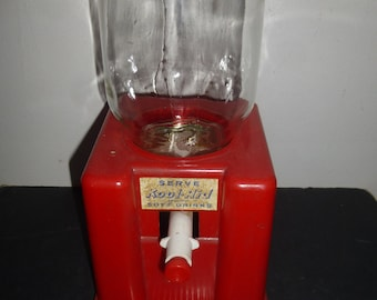 Kool-Aid - Vintage Childs Plastic and Glass Kool Aid Dispenser for Mini cups or shot glasses - Vintage Toy  - Serve Kool Aid Soft Drinks