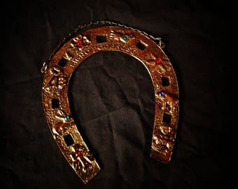 Lucky sign horseshoe Talisman wall hanging