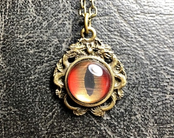Double Dragon Red Gold Glass Taxidermy Shark Eye Bronze Dragons Frame Hand Painted Masculine Necklace