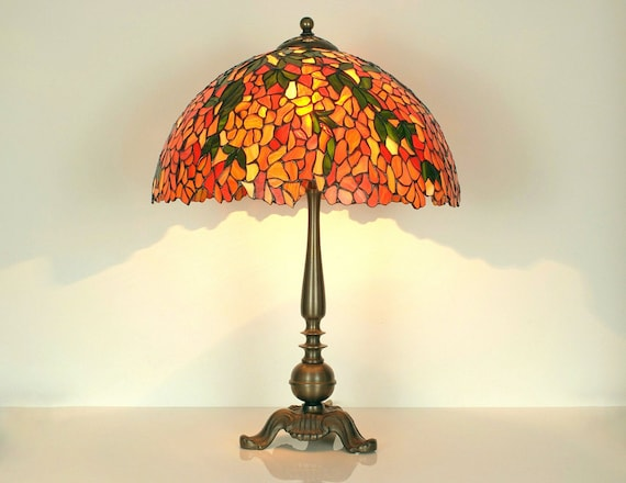 glasmalerei lampe tiffany lampe tischleuchte tiffany etsy. Black Bedroom Furniture Sets. Home Design Ideas