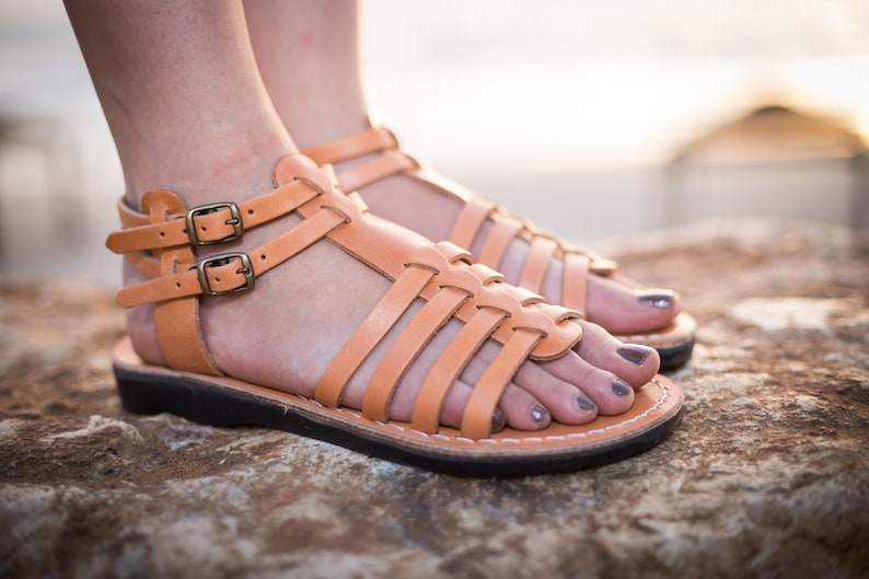 88d1314072041 Natural Leather Women's Sandals, New Classic Summer Everyday Shoes for  Women, Flats Slides Flip Flops Spartan Beach Thongs Sandals, KAPLAN