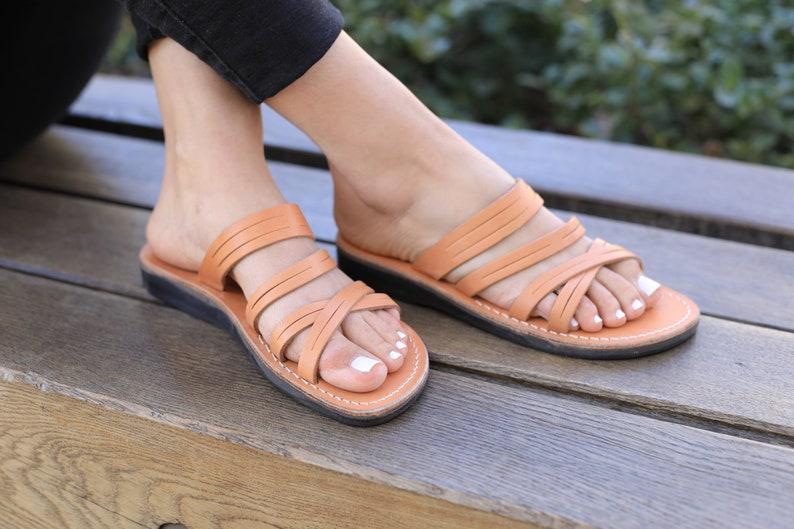 9e84a290a865b Natural Leather Women's Sandals, Classic Summer Everyday Shoes for Women,  Flats Slides Flip Flops Spartan Beach Thongs Sandals, MOONLIGHT