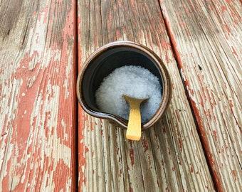 Salt cellar + Spoon (Tenmoku Glaze)