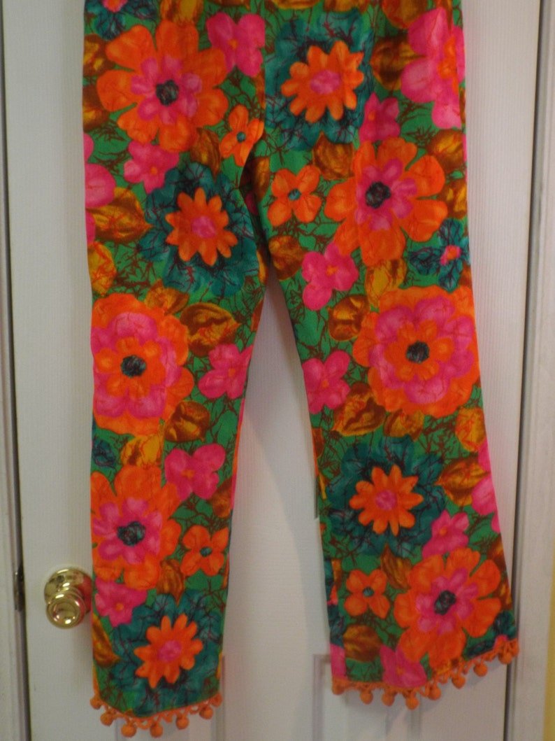 Vintage 1960s Orange Funky Flower Go Go Pants Bold and Bright Women/'s Size Med With Pom-Poms Retro Fashion