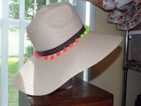 1990s Summer Floppy Straw Hat, Hat With Pompoms - image 5
