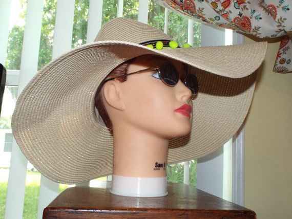 1990s Summer Floppy Straw Hat, Hat With Pompoms - image 7