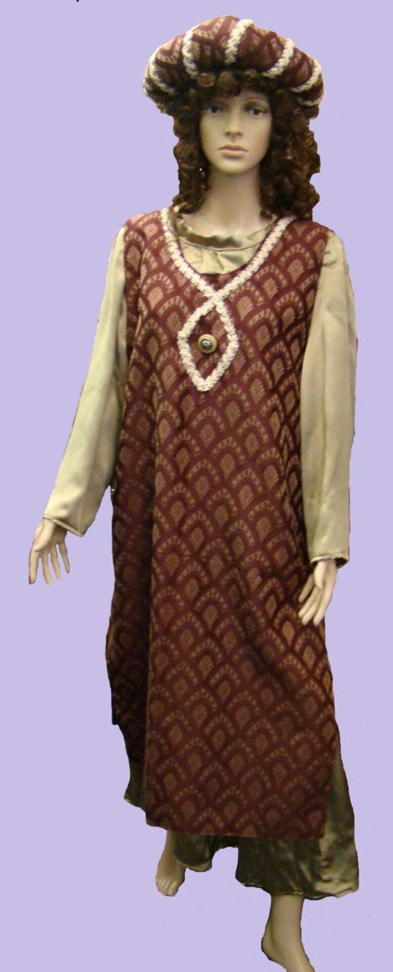 2950a206dc Price Reduced Costume Adult Woman Plus Size Renaissance Gown