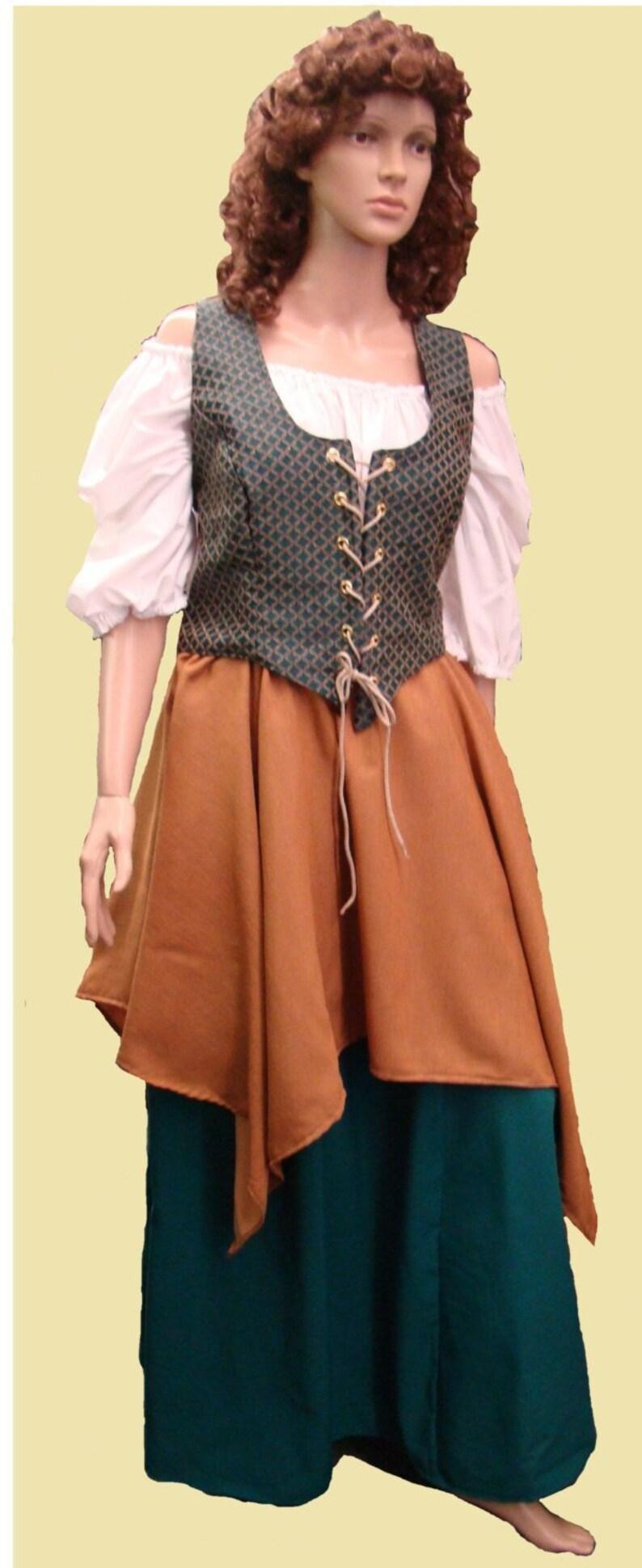 0e23d6a82d4 Price Reduced Costume Plus Size Adult Woman Renaissance Gypsy