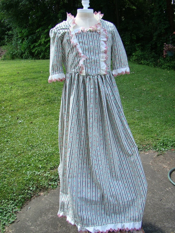 Price Reduced Costume Child Girls Colonial Gown and Mob Cap   Etsy