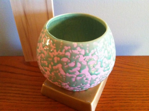 Mccoy Pottery Brocade Pattern Vase With Blush Pink And Green Etsy