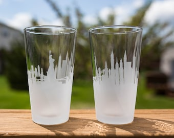 Etched New York City (NYC) Skyline Silhouette Pint Glasses
