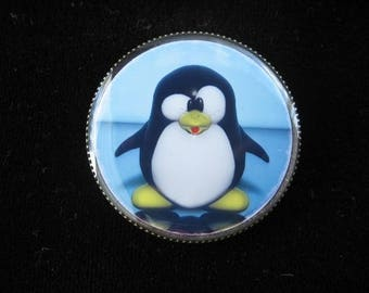 "Fancy ring ""Penguin"" set in resin on an adjustable ring finding"
