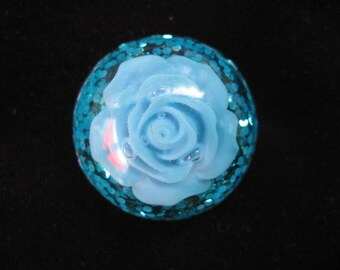 Small cabochon turquoise glitter turquoise flower ring