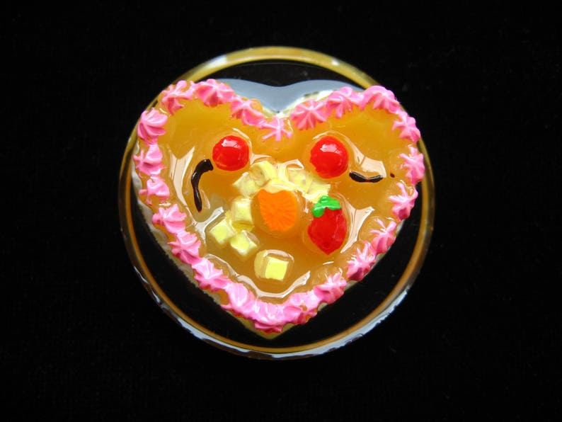 cake Large romantic ring pink heart on transparent background in resin mounted on a support ring adjustable  diameter 35 mm